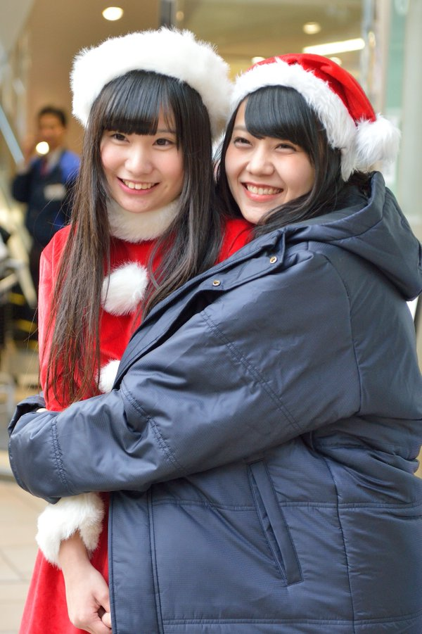 KOBerrieS KOBerrieS♪ 『こどもクリスマスキャロル with KOBerrieS♪』 岡本商店街 2015/12/20#KOBerrieS♪ #岡本商店街 https://t.co/JEpdtpI3Pl