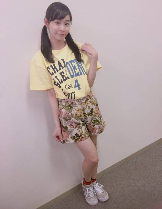 今日の私服です🍔💛  #KOBerrieS #ひめfashion https://t.co/hKi8g2QbmM