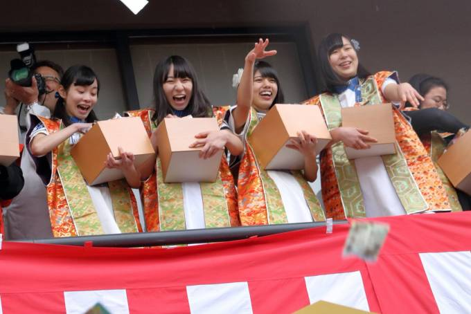 2018.02.03 KOBerrieS♪  生田神社 節分祭 豆撒き神事  #KOBerrieS https://t.co/5iCwI1mW4I