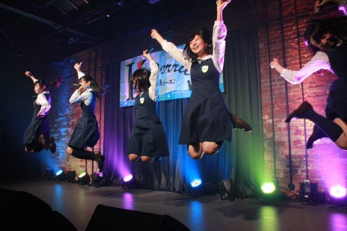 神戸煉瓦倉庫K-wave SSS Live vol.2 KOBerrieS♪ #KOBerrieS #SSS #K_wave https://t.co/rkDvUWEIDb